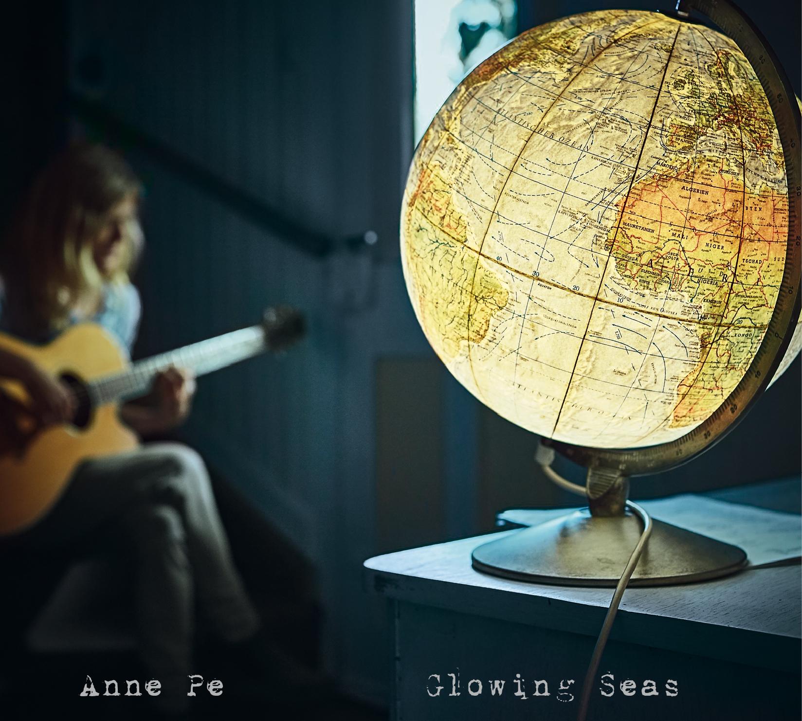 Album Cover Glowing Seas